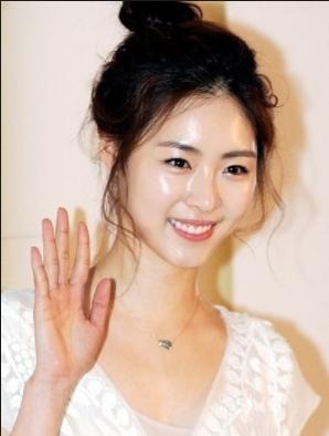 韓国女優艶肌
